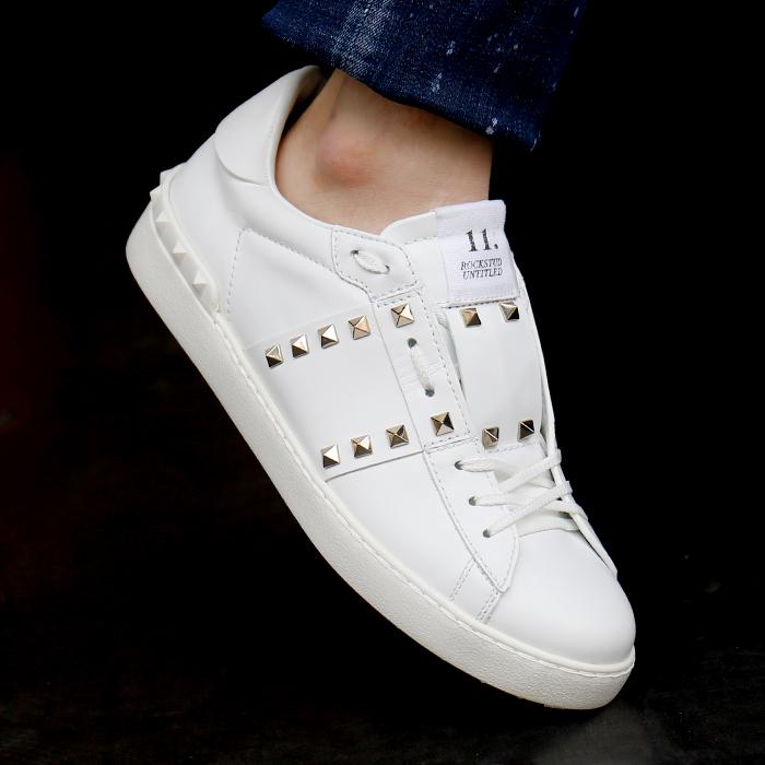 QY2S0931.BHS <BR> Rock Stud无标题胶底帆布鞋(WH)
