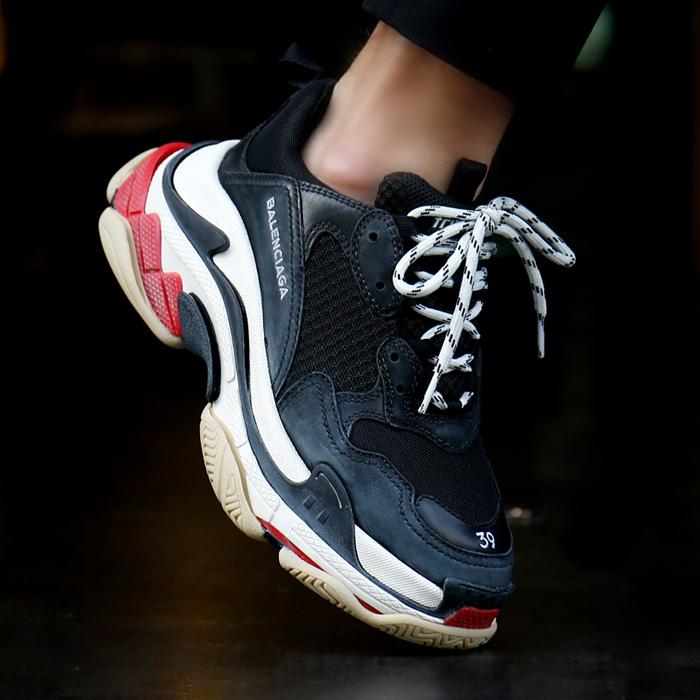 19SS 533882 W0901 1000 <BR>三一一S胶底帆布鞋(BK)