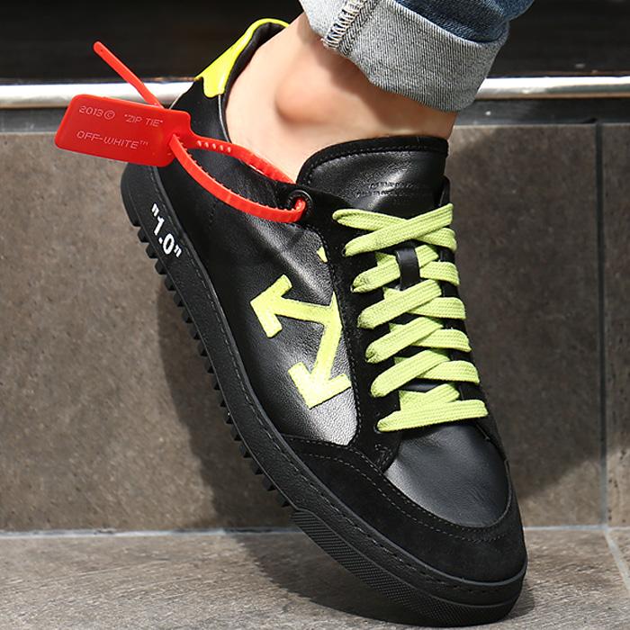 19FW OMIA042F19D68037 <BR> Arrow Low Top胶底帆布鞋(BK)