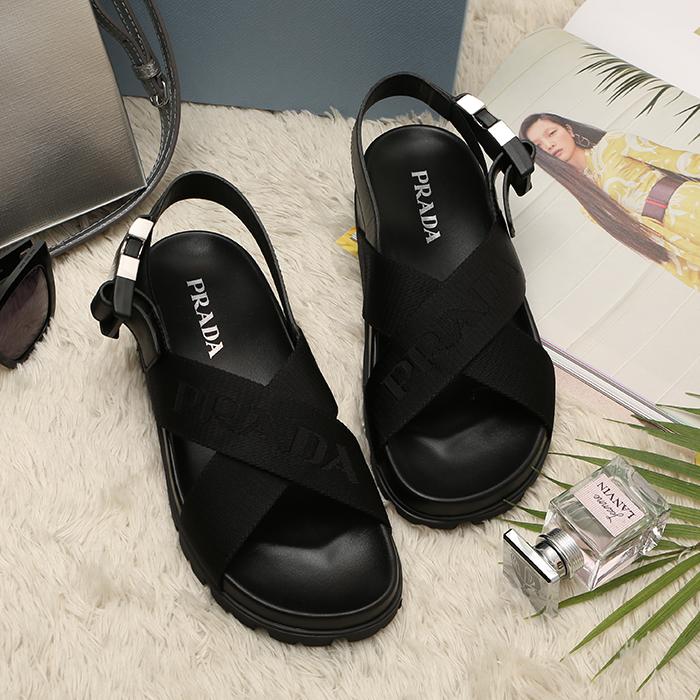 20SS 1X038M 3L6E <BR>图标皮条/束带凉鞋(BK)