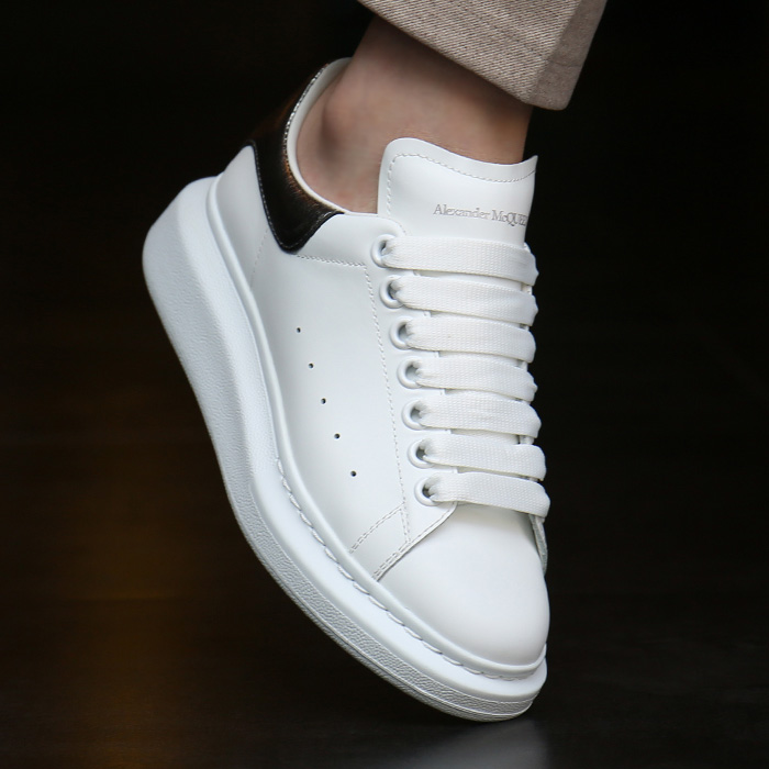20FW 553770 WHFBU 9042 <BR> Oversol女式运动鞋(WH)