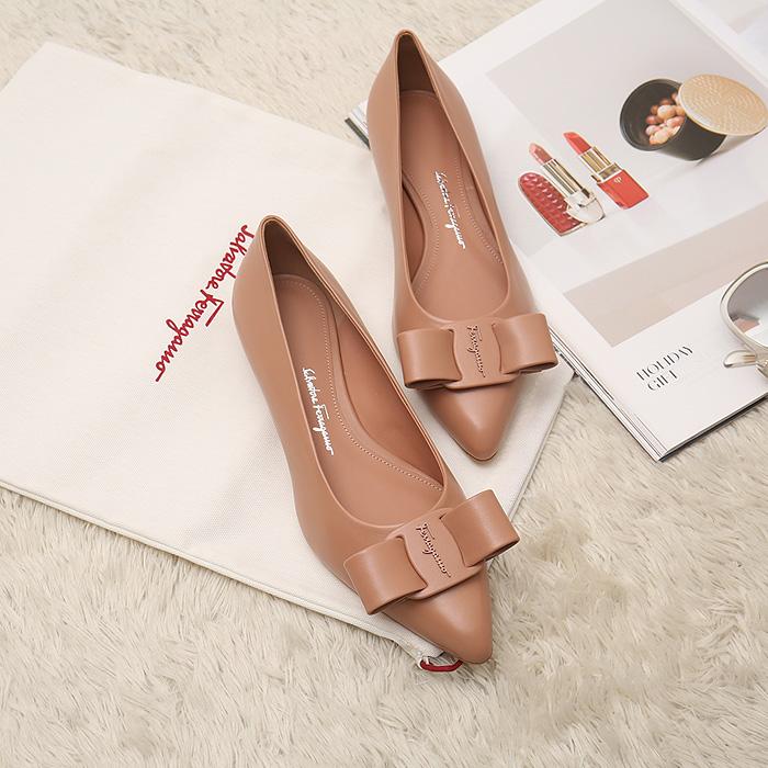 20FW 01R252 VIVA <BR>芭蕾舞女演员平底鞋(BE)