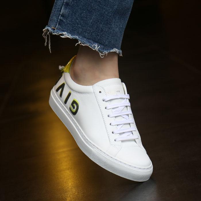 20FW BE0003E0U7 323 <BR>反向徽标女士运动鞋(WH)