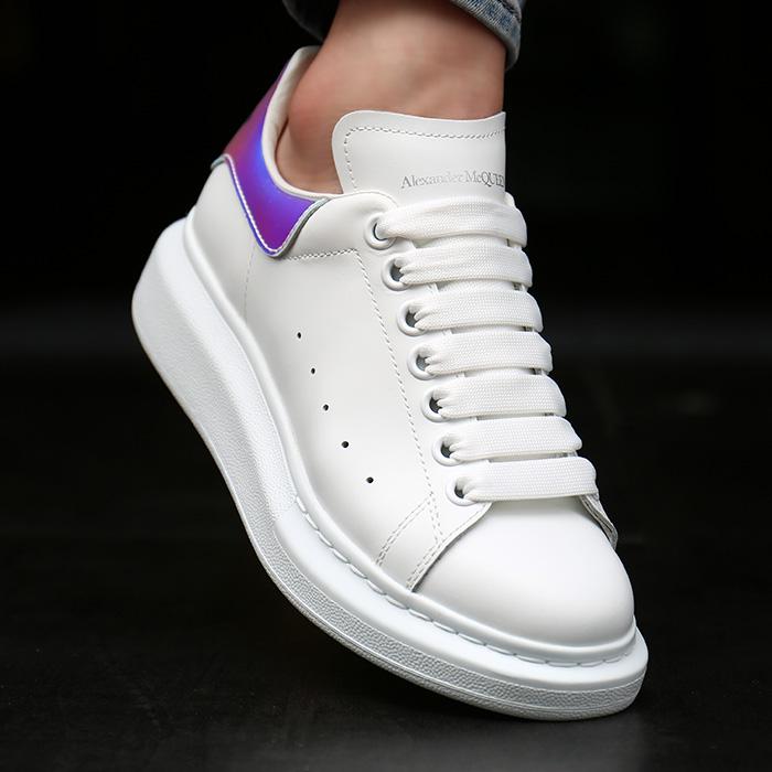 20FW 561726 WHVI5 9375 <BR> Oversol女式运动鞋(WH)